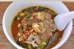 Soupe à soupe à Tom yum, chaude et aigre Photos stock