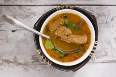 soupe à tomate avec de la viande de soja Photo stock