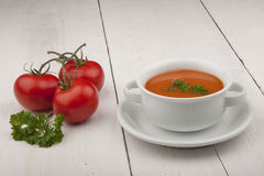 Soupe à tomate avec le persil Photo libre de droits