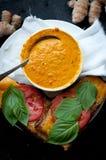 Soupe à tomate de safran des indes Photo stock