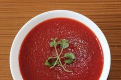 Soupe à tomate, soupe crème à tomate, nourriture végétarienne healty, Images libres de droits