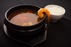 Soupe à tomyum de crevette rose Image libre de droits