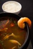 Soupe à tomyum de crevette rose Image stock