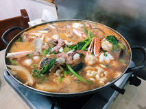 Soupe aigre à fruits de mer Image stock