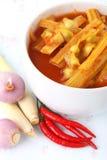 Soupe aigre à Moringa faite de pâte de tamarinier images libres de droits
