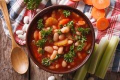 Soupe aux fèves, carottes et plan rapproché faits maison de céleri dessus horizontal photo libre de droits