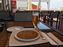 Soupe aux fèves, cuisine nationale portugaise Photo stock