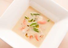 Soupe avec des poissons et des légumes Photographie stock libre de droits