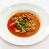 Soupe avec le poivre et les verts de viande Photos libres de droits