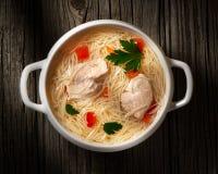 Soupe avec le poulet et les pâtes Photographie stock libre de droits