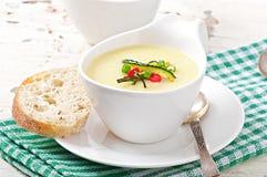 Soupe crème à courgette Photographie stock