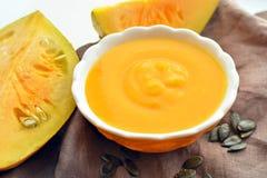 Soupe crème à potiron Photos libres de droits