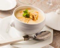 Soupe crème à poulet Images stock