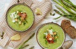 Soupe crémeuse à asperge photos stock
