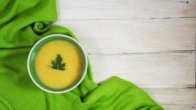 Soupe délicieuse à purée de pois photographie stock