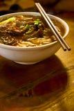 Soupe de nouilles chinoise de boeuf Photographie stock libre de droits