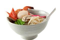 Soupe de nouilles d'Udon de fruits de mer, paraboloïde japonais populaire images libres de droits