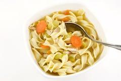 soupe de nouilles faite maison de poulet Images libres de droits