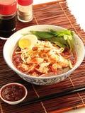 Soupe de nouilles épicée de crevette rose Photos libres de droits