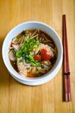 Soupe de nouilles thaïe de Tom-igname de chine de type Photographie stock libre de droits