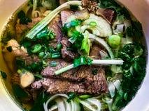 Soupe de nouilles vietnamienne de famoue, Pho photographie stock