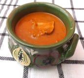 Soupe des tomates avec de la viande et des champignons Photos stock