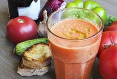 Soupe et ingrédients à tomate de Gazpacho Image libre de droits