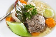 Soupe et légumes à boeuf Photographie stock libre de droits