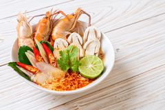 soupe ?pic?e ? crevettes (Tom Yum Goong images libres de droits