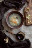 Soupe russe à chou dans la cuvette Vue sup?rieure photo libre de droits