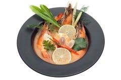 Soupe thaïlandaise épicée Tom Yum Goong à fruits de mer Photos stock