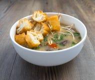 Soupe vietnamienne à organe de porc ou soupe à abats image stock