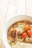 SoupIn a d'eggonionPork de Chickenboiled noodlesGrilled par instant Images stock