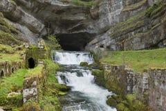Source de la Loue, río Doubs, Ouhans, el Jura Fotos de archivo libres de regalías