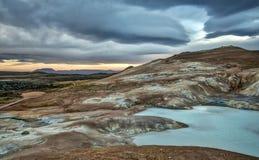 Source thermale géothermique de turquoise dans Krafla Islande Image libre de droits