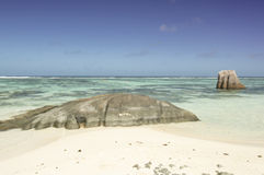 Source tropicale D'Argent de plage à la La Digue, Seychelles - fond d'île de vacances Image libre de droits