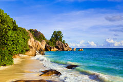 Source tropicale d'Argent de plage chez les Seychelles Image libre de droits