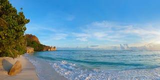 Source tropicale d'Argent de plage chez les Seychelles Photographie stock libre de droits