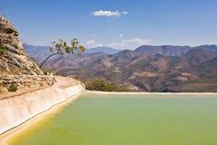Sources d'eau minérale - destination de touristes célèbre, Oaxaca, Mexique Images stock