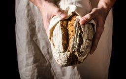 Sourdough домодельного хлеба деревенский Стоковое Изображение RF