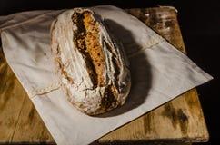 Sourdough домодельного хлеба деревенский Стоковая Фотография