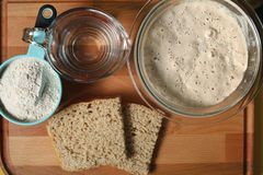 Sourdough chleb od początku do końca fotografia stock