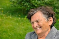 Sourire aîné de femme Image libre de droits