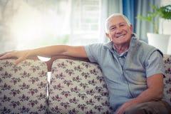 sourire aîné de verticale d'homme Image libre de droits