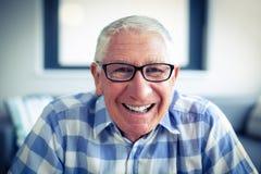 sourire aîné de verticale d'homme Photos libres de droits