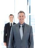 sourire aîné de verticale d'homme d'affaires Images stock