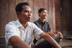 Sourire asiatique de deux jeune hommes Photographie stock