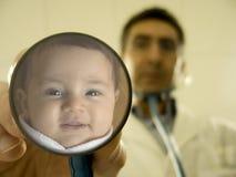 Sourire au docteur ! Photos libres de droits