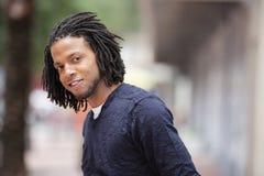 Sourire beau d'homme de couleur Image libre de droits