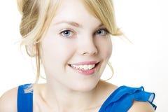 sourire bleu blond de fille Photos libres de droits